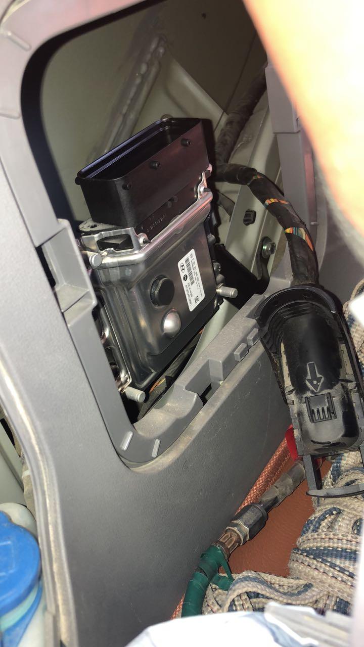 Хендай Старекс Денсо. Расположение блока управления мочевины AdBlue SCR. Hyundai Grand Starex Denso. AdBlue ECU disconnect and solutions DPF Off, SCR Off, EGR Off