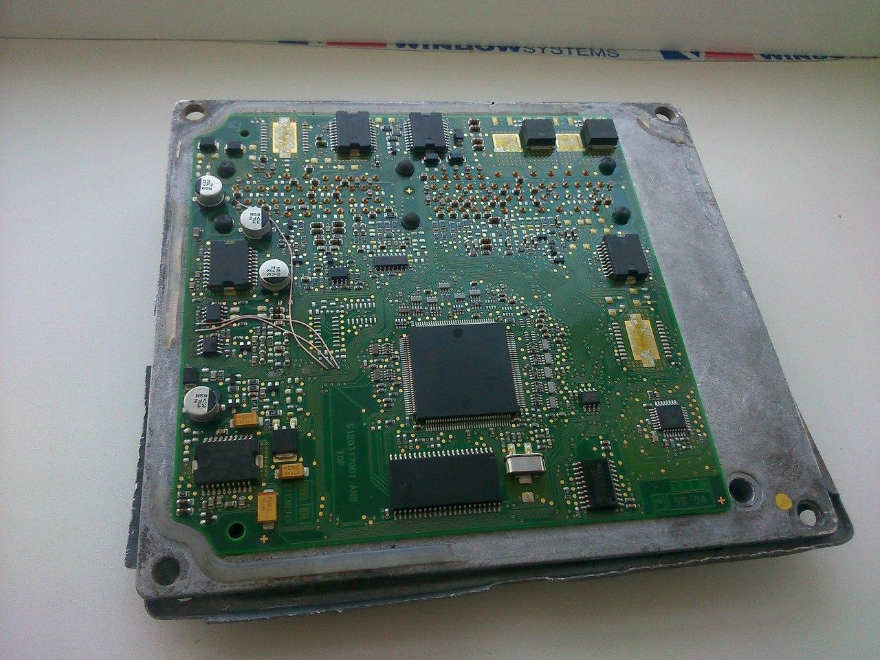 Фото платы электронного блок управления двигателем Siemens SIM210 автомобиля Форд Фьюжен